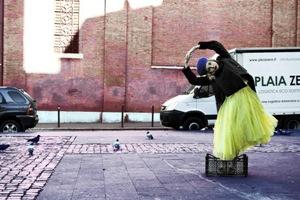 Foto di Eva Tomei - elaborazione grafica Roberta Pellegrino