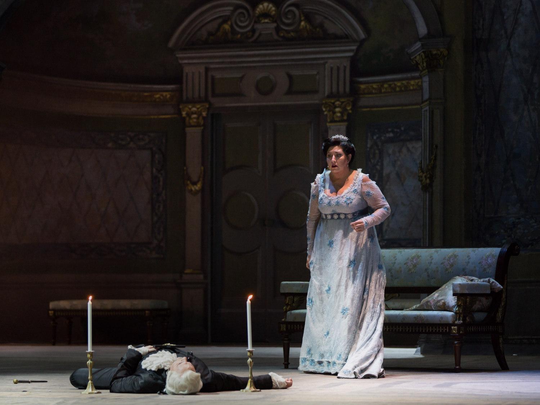 Tosca, Atto II_Anna Pirozzi (Tosca), a terra Giovanni Meoni(Scarpia)®Yasuko Kageyama-Opera di Roma 2015-16