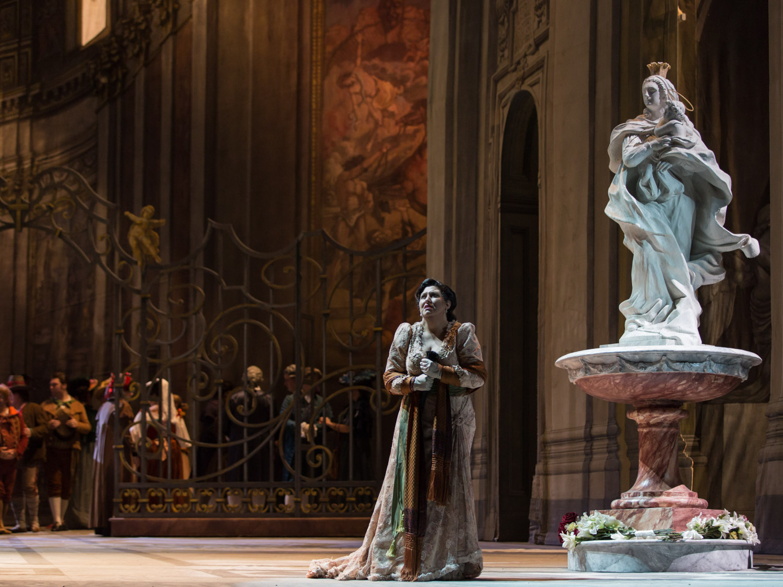 Tosca, Atto I_Anna Pirozzi (Tosca) ®Yasuko Kageyama-Opera di Roma 2015