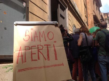 foto www.facebook.com/teatrovalleoccupato