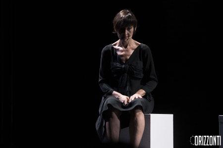 Paola Vannoni in sPazzi di vita (la follia non è un refuso). OrizzontiFestival 2016, agosto - foto Eleni Albarosa