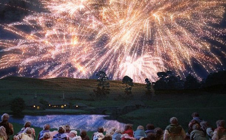 "Gandalf incanta tutti con i suoi fuochi d'artificio - ""The Lord of the Rings"""