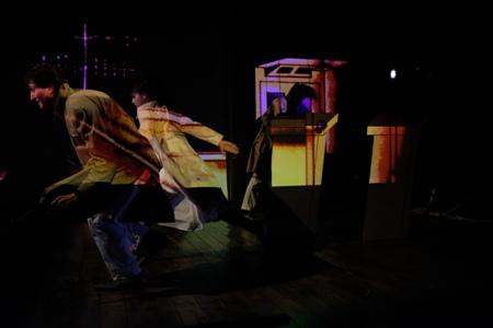 Ufficio Stampa Teatro Nuovo : Tango glaciale. mario martone su un attimo di trentasei anni